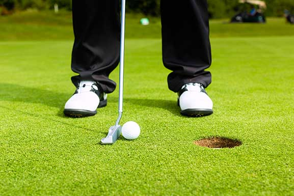 Putting Contest Insurance Coverage from Surebet